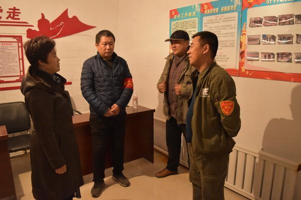 县委常委、线路导航长吕桂兰深入到三卡乡进行调研