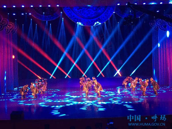 我县白银纳乡鄂伦春族民间艺术团参加第七届中国·呼和浩特少数民族