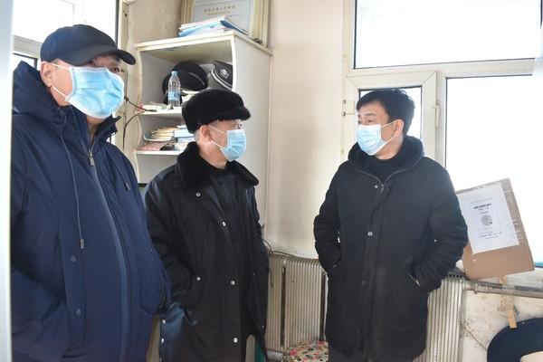 副县长孙志勇深入到三卡乡检查疫情防控工作
